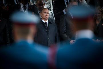 Il presidente russo Vladimir Putin durante una parata militare in Serbia (foto © Dimitrije Ostojic/Shutterstock)