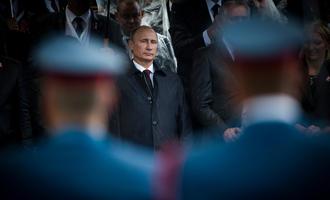 Ruski predsednik Vladimir Putin tokom vojne parade u Srbiji (foto © Dimitrije Ostojic/Shutterstock)