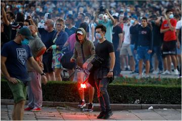 Proteste a Belgrado -  Sasa Dzambic Photography/Shutterstock