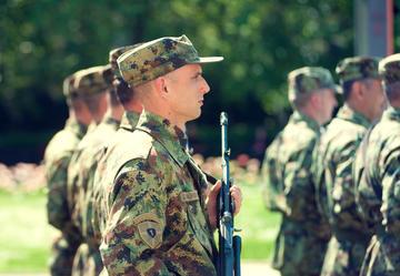 Parata militare a Novi Sad (Serbia) © 3D pajtica/Shutterstock