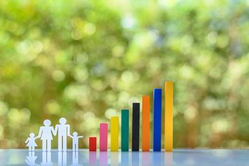 Un'immagine stilizzata rappresenta una famiglia ed al suo fianco un grafico a barre