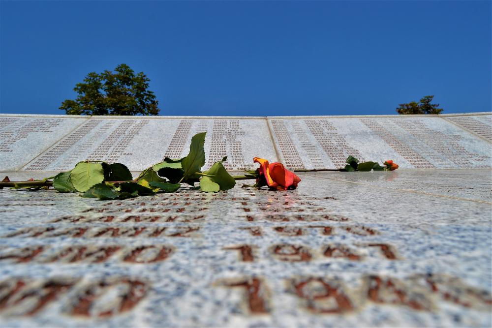 بنای یادبود سربرنیتسا (© SKahraman / Shutterstock)