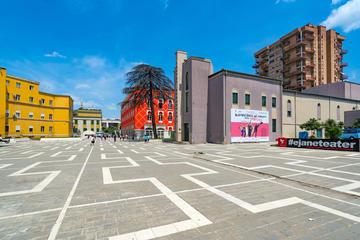 Tirana, palazzo del Governo - foto Posztos Shutterstock
