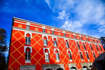 Tirana, palazzo del Governo - foto GK 1982 Shutterstock