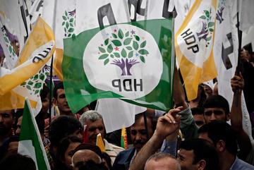 Istanbul, manifestazione a favore del partito HDP (© Alexandros Michailidis/Shutterstock)