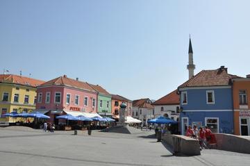 Il centro di Tuzla (foto di Mato Papic /Shutterstock)