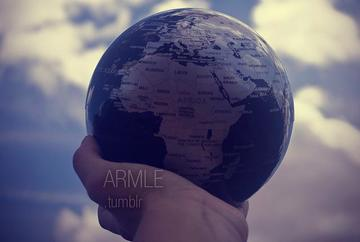Mondo in mano, foto di Armle - Flickr.com