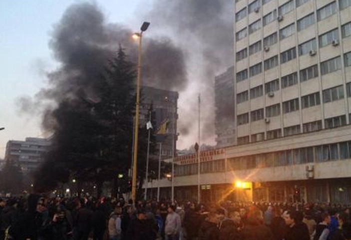 Tuzla, 6 febbraio 2014.jpg