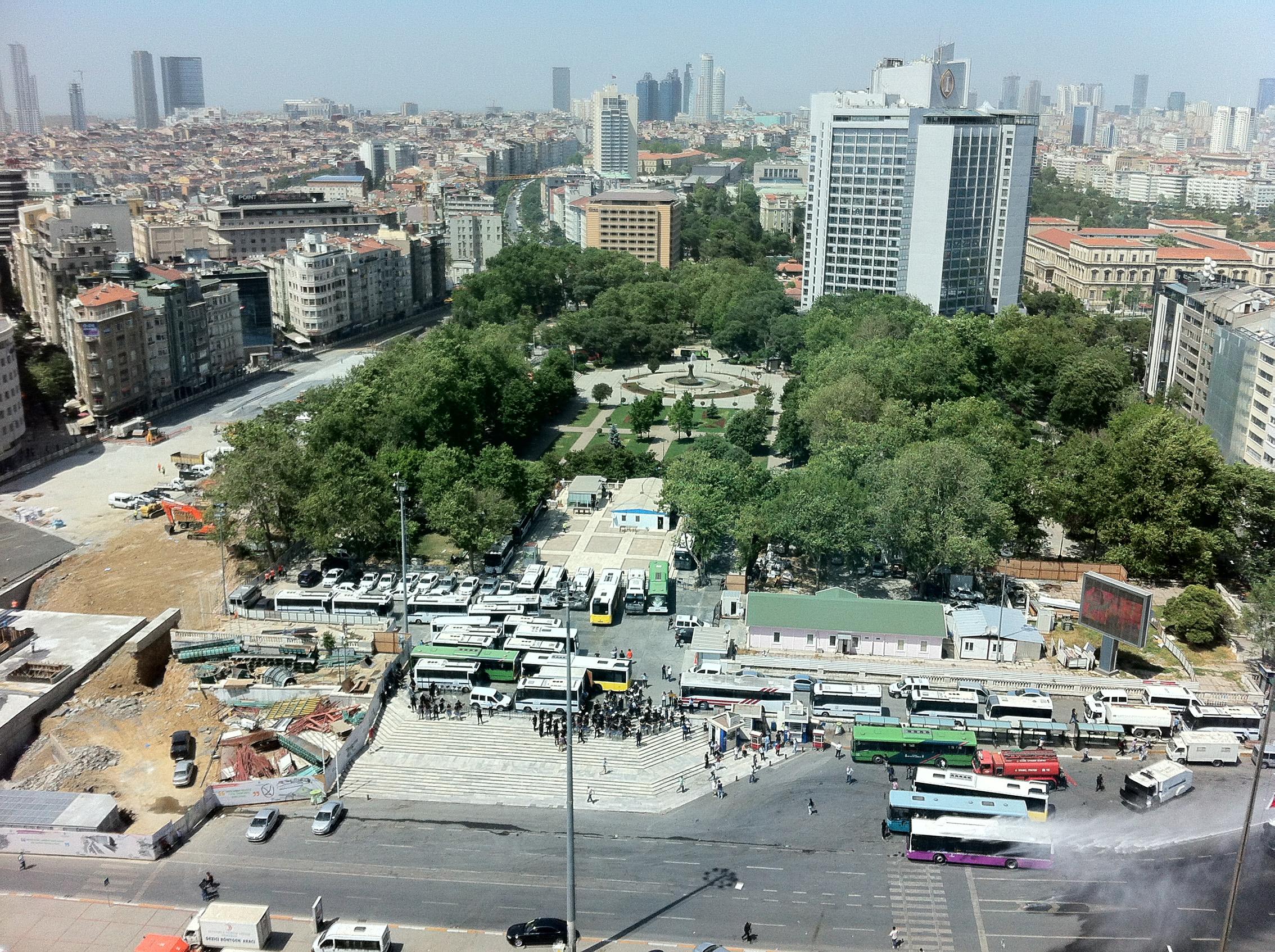 Gezi Park dall'alto / Da Gezi Park a Taksim, le proteste ad Istanbul /  Gallerie / Media - Osservatorio Balcani e Caucaso Transeuropa