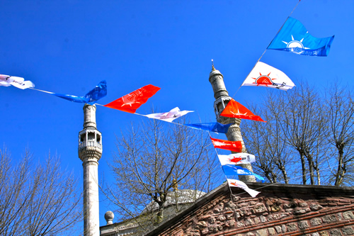 Bandiere nel quartiere di Kasımpaşa