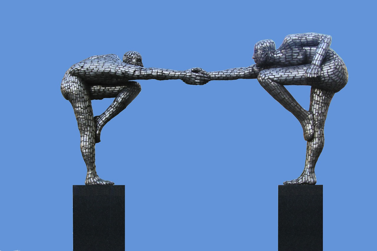 Scultura uomini armonia amici amicizia amichevole (foto: waldiwkl)