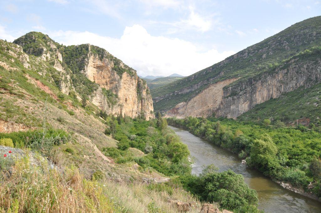 fiume Oronte tra i monti dell'Hatay