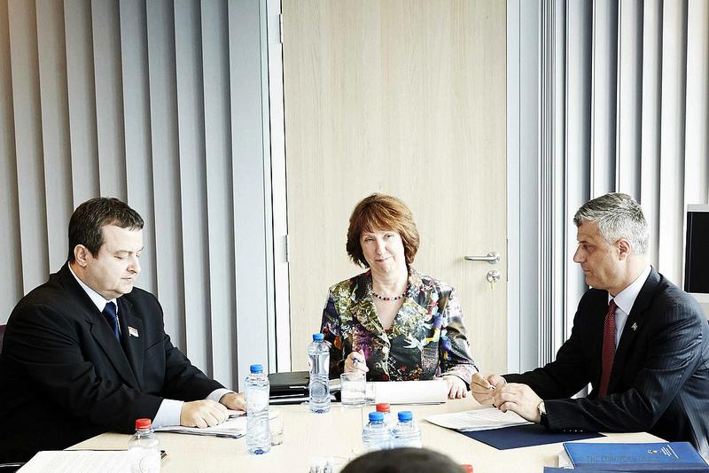 Ivica Dačić, Hashim Thaçi e Catherine Ashton a Bruxelles