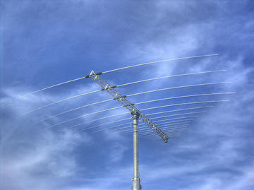 Antenna - twicepix/flickr