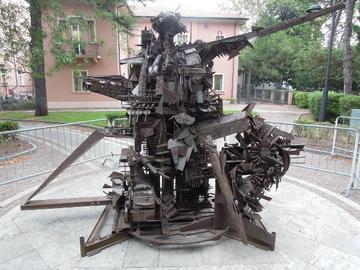 L'Uomo di Sarajevo, scultura di Giuseppe Gentili