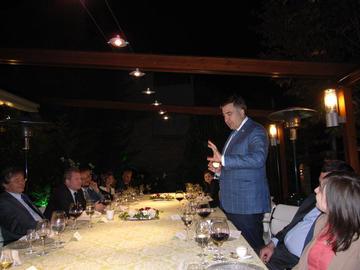 In piedi Mikheil Saakashvili (foto P. Bergamaschi)