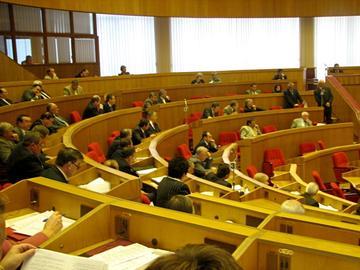 Il parlamento moldavo (wikimedia)