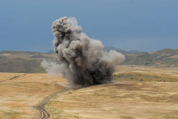 Controlled detonation of landmines and UXO by the HALO Trust in Nagorno Karabakh (Photo Onnik Krikorian)