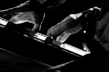 Hands, foto di Riccardof - Flickr.com