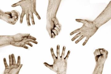 United hands, foto di Rita - Flickr.com