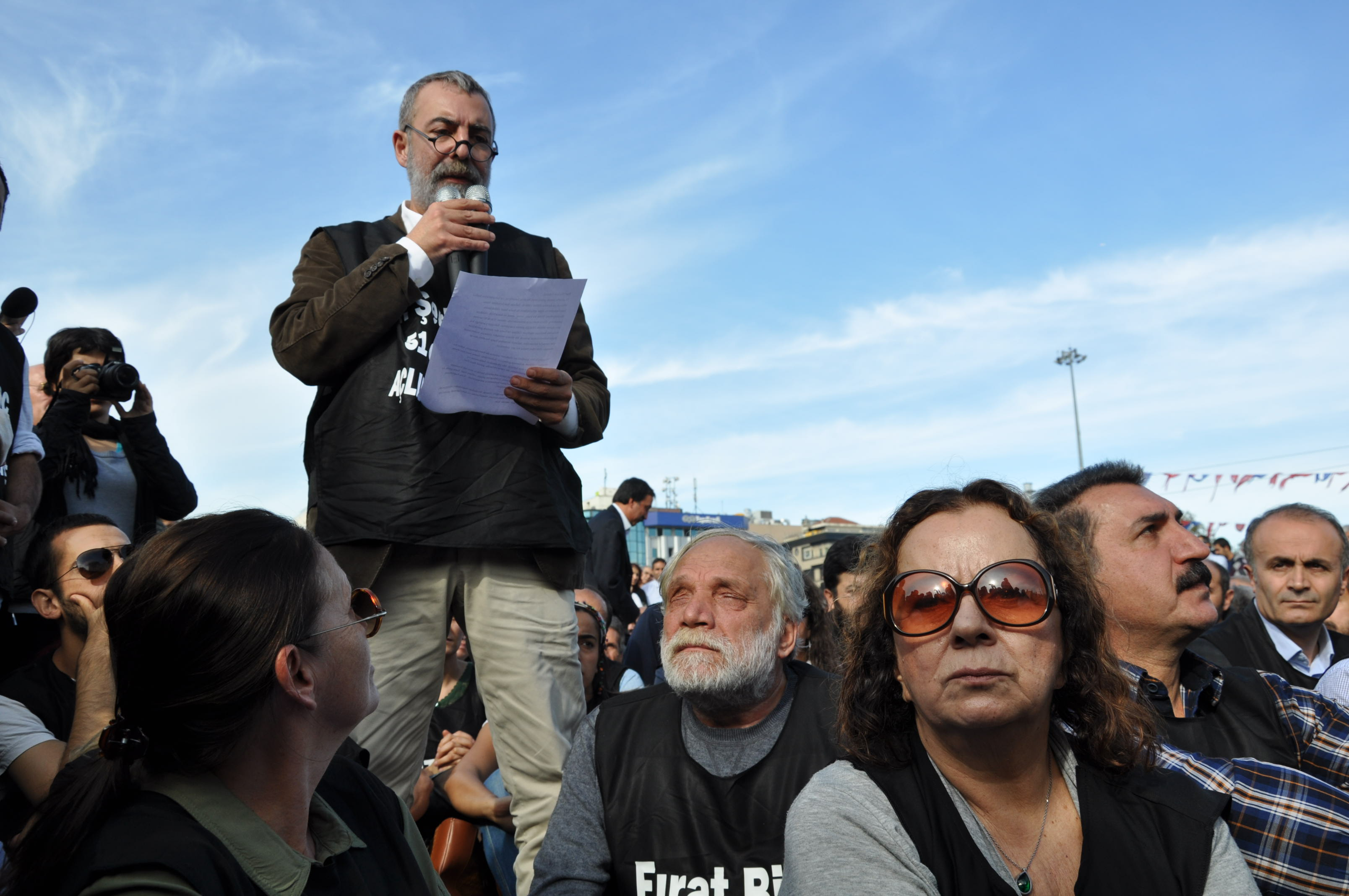 Intellettuali solidali con lo sciopero della fame dei prigionieri curdi