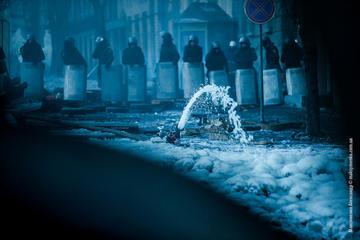 Kiev, barricade at Hrushevskogo street, foto di S.Maksymenko - Flickr.com.jpg