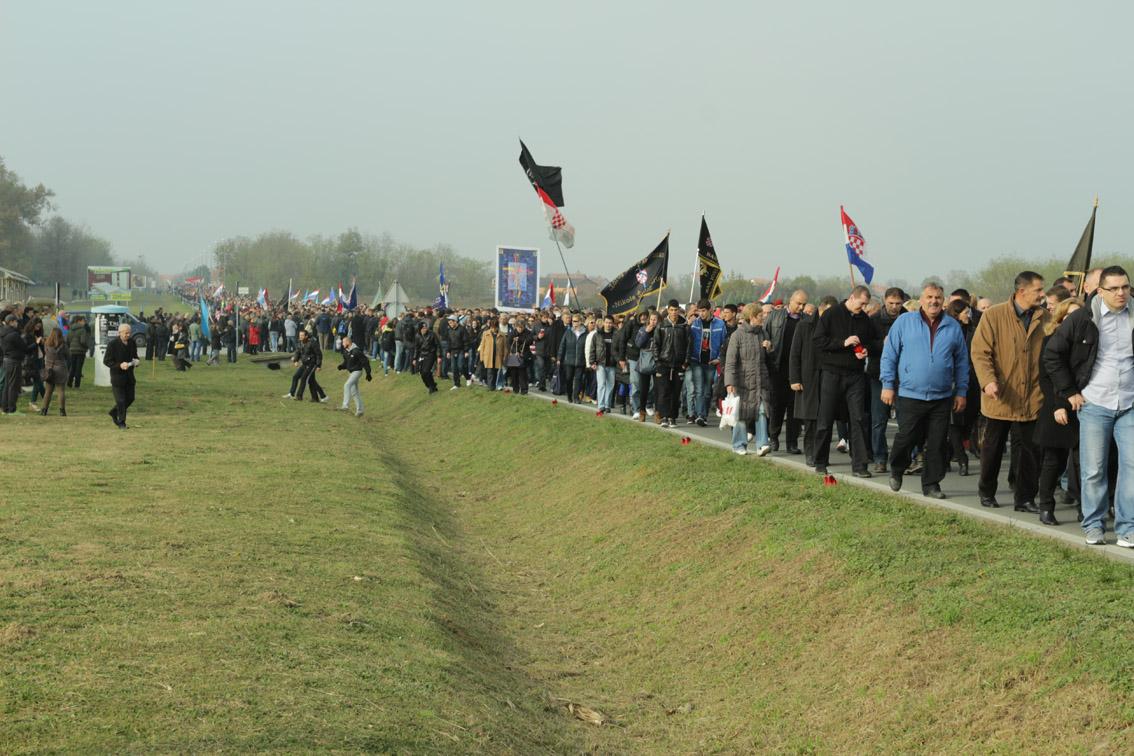 Vukovar, la marcia del 18 novembre (foto © Thérèse Di Campo)