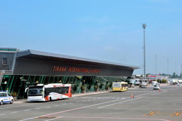 Aeroporto internazionale di Tirana (© PaulSat Shutterstock)