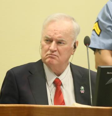 Mladić a processo al Tribunale dell'Aja (foto wikimedia)