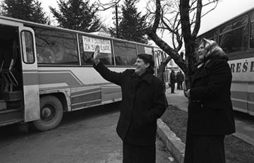 Pacifisti italiani in viaggio verso Sarajevo, dicembre 1992 (© Mario Boccia)