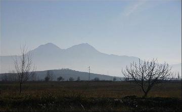 Monte Mirdita visto dalla Zadrima, foto di Danypope - Flickr.com