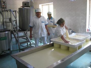 Produzione di formaggio presso Malga Vani, Georgia