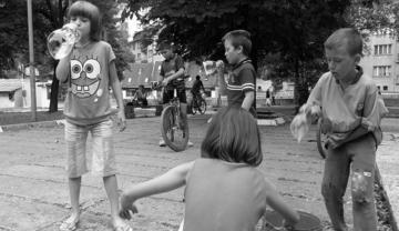 Bambini che giocano a Vares, Bih - foto di M.Benericetti - Flickr.com
