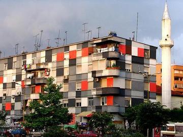 Tirana (Davduf - Flickr)