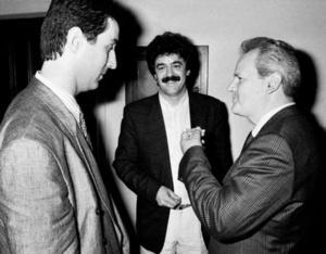 Milo Đukanović, Momir Bulatović e Slobodan Milošević in una foto d'epoca