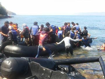 Rifugiati arrivati in Grecia, foto © Amedeo Ricucci.jpg