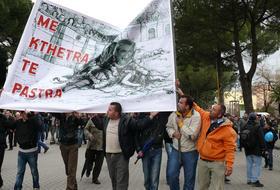 Manifestazione a Tirana, 21 gennaio 2011 (foto Mimoza Dhima)