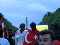 Maxischermo a Berlino per una partita di calcio della Turchia (Dr. Pat  / Flickr)