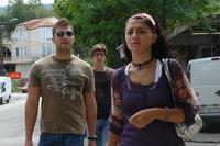 Giovani per le vie della capitale macedone Skopje (CharlesFred / Flickr)