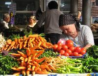 Un mercato a Gura Humorului, nel sud della Bucovina (Kate B Dixon / Flickr)