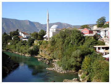Una veduta di Mostar, in Bosnia (albezln /Flickr)