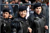 Donne poliziotto ad Ankara (damopabe / Flickr)