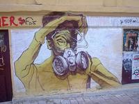 Graffiti ad Atene, vicino alla fermata del metro Vittoria (Christophoros/Flickr)