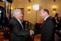 Il direttore generale dell'Fmi Dominique Strauss-Kahn ricevuto dal presidente romeno Traian Basescu a palazzo Cotroceni, 30 maggio 2010