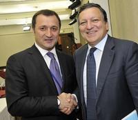Il presidente della Commissione europea Josè Manuel Barroso (ds) e il premier moldavo Vlad Filat (europeanpeoplesparty/Flickr)