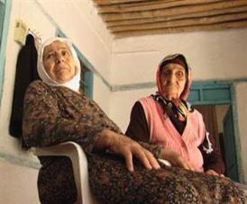 """Un'immagine dal film """"Bir tutam sac/Una ciocca di capelli, le ragazze scomparse di Dersim"""" di Nezahat Gundogan, presentato al Festival del cinema curdo di Roma"""