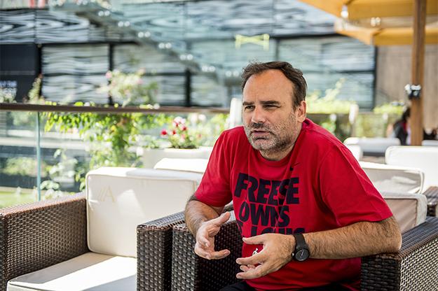 Dino Mustafić (foto di Imra Kapetanović /Kosovo 2.0)