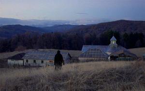 """Una scena tratta dal film """"Oltre le colline"""" di Cristian Mungiu"""
