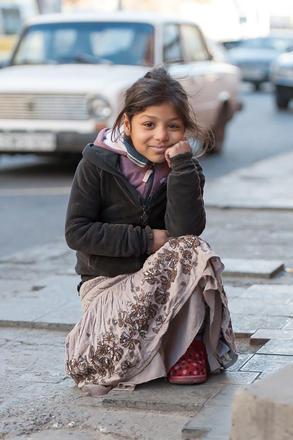 Georgia, una bambina di strada (Foto © Onnik Krikorian)