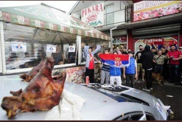 La protesta degli hooligan e le teste di maiale sull'auto di Gjuraj